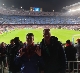 4. Sieb en John in Camp Nou